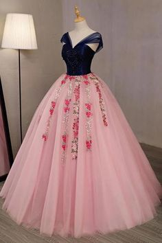 Pink tulle V neck long embroidery lace evening dress with cap sleeve, prom dress – Nederland mode Pink Tulle, Pink Dress, Cute Dresses, Prom Dresses, Formal Dresses, Pink Wedding Dresses, Quince Dresses, Lace Evening Dresses, Quinceanera Dresses