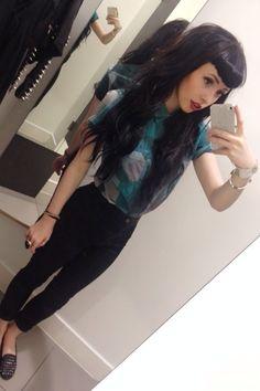 black hair, blunt bangs