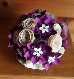 Magenta et crème Bouquet Origami (Medium-petit) on Etsy, € Bouquet En Origami, Paper Bouquet, Origami Flowers, Diy Flowers, Paper Flower Arrangements, Steampunk Crafts, Origami Wedding, Folded Book Art, Tissue Paper Flowers