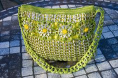Upcycled Citrus Green with Gold Crochet Pop Tab Purse von Flor7