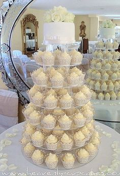 love the cupcake idea..so much easier than cutting cake