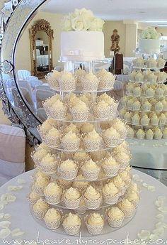 love the cupcake idea..so much easier than cutting cake