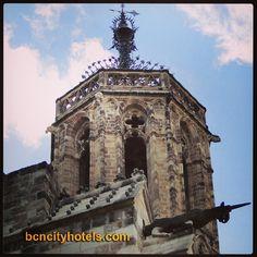 ¿ Sabías que la Catedral de Barcelona esconde un precioso unicornio? // Did you know the Cathedral of Barcelona hides a beautiful unicorn?