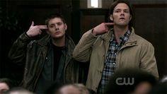 O novo ano de Supernatural promete revolucionar tudo o que os fãs da série viram até então. Começando pela relação entre mocinhos e vilões, ou seja, Winchesters em guerra, demônios e anjos trocando de lado, hunters caçando hunters e todos atrás de Dean Winchester.  Se você não assisti
