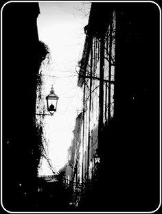 Black and white photography: Kauhuromantiikkaa ja mustavalkoista matkailua