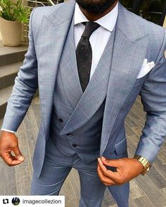 I have always loved lapelled vests. Great three-piece suit look Mens Fashion Suits, Mens Suits, Men's Fashion, Dapper Suits, Groom Fashion, Groom Suits, Fashion Hacks, Groom Attire, Burberry Baby