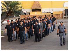 Polícia Militar Estado de São Paulo (ROTA). A frente do desfile dos militares que serviram no Batalhão, o Coronel PM Paulo Telhada, que serviu de 1986 a 1992 e comandou o Batalhão de 2009 a 2011. http://tudoporsaopaulo1932.blogspot.com.br/search?updated-min=2012-01-01T00:00:00-02:00&updated-max=2013-01-01T00:00:00-02:00&max-results=50
