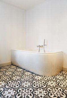 Cementtiles bathroom - Negra 05 - Project van Designtegels.nl