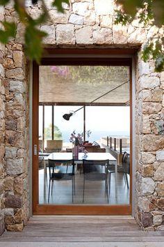 Grandes fenêtres pour belle maison moderne Hall Interior Design, Small Loft, Cottage Style, Entrance, Architecture Design, Windows, Impression, Home Decor, Doors