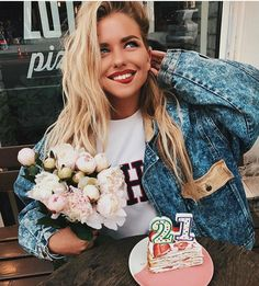 Find images and videos about girl, fashion and style on We Heart It - the app to get lost in what you love. Alexandra Burimova, Cute Birthday Pictures, Aesthetic Indie, Insta Photo Ideas, Girl Inspiration, Foto Pose, Girl Photography, Pretty People, Spring