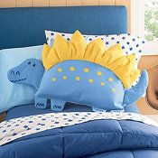 These Dino Pillow Shams will liven up any bedroom! These Dino Pillow Shams will liven up any bedroom! Cute Pillows, Baby Pillows, Kids Pillows, Animal Pillows, Sewing Projects For Kids, Sewing For Kids, Sewing Toys, Baby Sewing, Dinosaur Bedroom