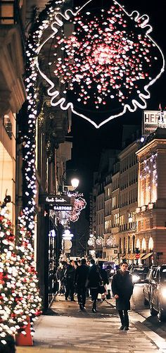 ~Christmas in Paris  | The House of Beccaria#