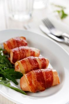 How to Prepare and Eat Bacon and Not Feel Guilty.: The Real Question Is in This Recipe Book Bacon Wrapped Chicken, Chicken Bacon, Stuffed Chicken, My Favorite Food, Favorite Recipes, Lard, Cheap Meals, Holiday Recipes, Cake Recipes