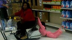 Super Funny People Of Walmart To Get 60 Ideas Funny Walmart Pictures, Walmart Funny, Go To Walmart, Only At Walmart, People Of Walmart, Funny People, Funny Photos, Weird Pictures, Real People