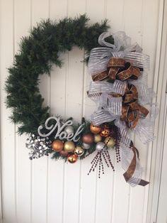 ۞ Welcoming Wreaths ۞ DIY home decor wreath ideas - Christmas wreath
