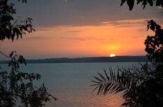 Erlebnisreiche Fußsafari im Norden Tansanias African Sunset, African Safari, Tanzania, Island, Sunset Lake, Sky, Adventure, Sunsets, Nature
