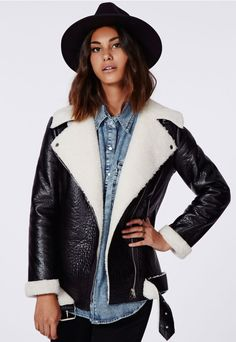 The hottest way to keep warm this A/W is with a shearling lined coat like this gorge contrasting piece. With a faux leather main fabric which has a light sheen and soft cream lining, you'll be as as snug as an on trend bug all season long. ...