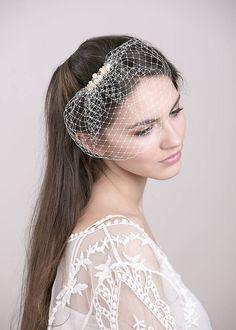 Závoje - Svadobný závoj s perlami a krištálikmi Swarovski - 5066562_