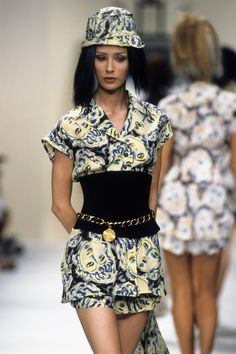 Chanel Spring 1994 Ready-to-Wear Collection Photos - Vogue