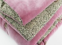 sfgirlbybay / bohemian modern style from a san francisco girl Boho Bedding, Pink Bedding, Quilt Bedding, Bedding Sets, Velvet Bedroom, San Francisco Girls, Deco Rose, Striped Bedding, Velvet Quilt
