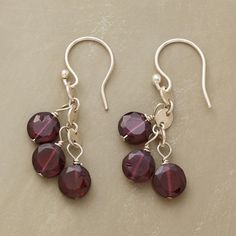 GARNET BUTTON EARRINGS -- Faceted garnet buttons bob below shiny sterling silver paillette links. Handcrafted in USA exclusively for us. Wire Jewelry, Jewelry Crafts, Beaded Jewelry, Unique Jewelry, Jewellery, Simple Earrings, Bead Earrings, Button Earrings, Garnet Earrings