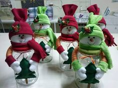 I think i would use plastic peanut butter jars instead of glass jars. Great for those with kids. Christmas crafts