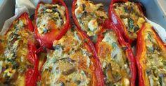 Πιπεριές Φλωρίνης με μανιτάρια και τυριά! Μοσχοβολάει η κουζίνα βγαζοντάς τες από το φούρνο. Λατρεύω τις κόκκινες πιπεριές σε ό... Cooking Recipes, Healthy Recipes, Food Website, Looks Yummy, Greek Recipes, Food To Make, Good Food, Food And Drink, Stuffed Peppers
