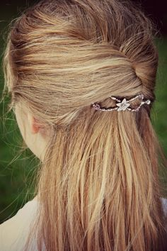 Half-Up with a Twist and a Lilla Rose Flexi-clip!
