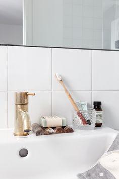 Bathroom Decors Ideas : My current beauty favorites Romantic Home Decor, French Home Decor, Retro Home Decor, Home Decor Store, Home Decor Kitchen, Unique Home Decor, Design Blog, Cheap Dorm Decor, Home Interiors And Gifts
