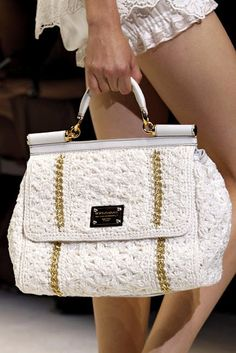 DOLCE & GABBANA crochet. OOOOOOOOO I WANT THIS.
