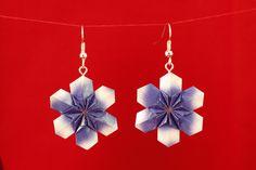 Flor hexagonal azul. Diseño de Fujimoto.