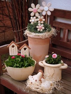 Keramikwerkstatt Hlinenka – Keramikwerkstatt Hlinenka Das schönste … – – Keep up with the times. Clay Crafts, Wood Crafts, Diy And Crafts, April Easter, Lace Painting, Deco Nature, Diy Ostern, Easter Parade, Flower Pots
