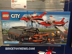 Lego City 60103 Airport Air Show set minifigure sealed retired 673419247375 Lego City Sets, Lego Sets, Lego Space Station, Lego City Airport, Best Christmas Toys, Lego City Police, Lego Construction, Lego Room, Model Train Layouts