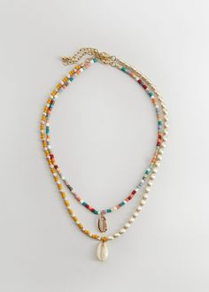 Latest trends in women's costume jewellery. Complete your outfit with necklaces, bracelets, rings and earrings. Surf Necklace, Summer Necklace, Summer Jewelry, Diy Necklace, Necklace Designs, Necklaces, Cute Jewelry, Diy Jewelry, Beaded Jewelry