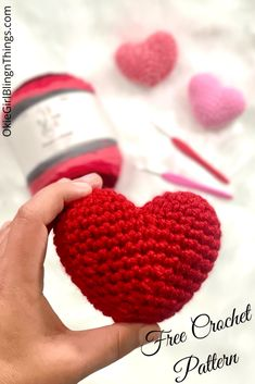 Easy Amigurumi Heart - Free Crochet Pattern - OkieGirlBling'n'Things - - What says Valentine's Day like a heart? So, now you make a dozen of squishy little amigurumi heart with this simple and quick pattern! Chat Crochet, Crochet Amigurumi Free Patterns, Knitting Patterns, Free Crochet Heart Patterns, All Free Crochet, Single Crochet, Crochet Gifts, Crochet Toys, Knitted Dolls
