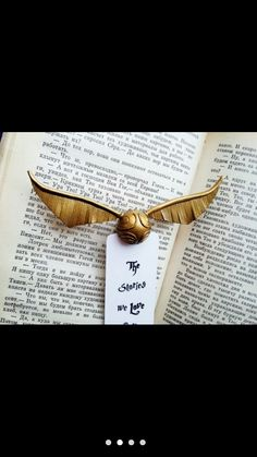 Harry Potter Bookmark, The Magicians, Bookmarks, Bee, Honey Bees, Marque Page, Bees