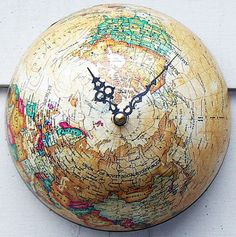 DIY map and globe projects. Celebrate the beuty of our earth and decorate with maps and globes. Here are inspiring DIY projects to try. Globe Projects, Globe Crafts, Map Crafts, Map Projects, Old Globe, Globe Art, Vintage Globe, Vintage Maps, Antique Maps