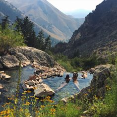 lasplayaslasmontanas: Drove to Idaho and hiked a few miles to marinate in the most beautiful natural hot springs I've ever laid eyes on. The amount of time I plan to spend here…Oooh man scenery Unbetitelt Nature Aesthetic, Travel Aesthetic, Oh The Places You'll Go, Places To Travel, Travel Destinations, Adventure Is Out There, Belle Photo, The Great Outdoors, Wonders Of The World