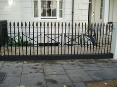 The iconic, Victorian style wrought iron railings of Londoncan be yours too thanks to custom garden railings and fencing from KP Engineering. Garden Railings, Garden Gates And Fencing, Gates And Railings, Metal Railings, Fences Alternative, Old Gates, Victorian Irons, Front Gardens, Fence Styles