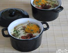 Cazuelita de patatas, bacon y huevo | L'Exquisit Cocotte Recipe, Pasta, Latin Food, Dutch Oven, Cheeseburger Chowder, Buffet, Potatoes, Kitchen, Recipes