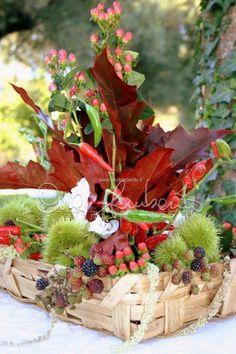 centrotavola autunnale foglie rosse