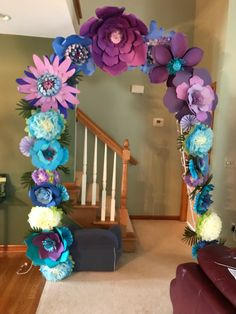 Such a cool idea for party decor – SkillOfKing. Paper Flowers Craft, Paper Flower Wall, Paper Flower Backdrop, Giant Paper Flowers, Flower Crafts, Paper Crafts, Office Christmas Decorations, Wedding Decorations, Paper Flower Tutorial