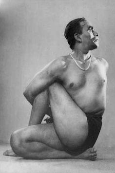 BKS Iyengar: Yoga Guru ...... #bksiyengar #yoga #yogaguru #iyengaryoga #yogafounder