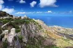 História, paisagens incríveis e comidas maravilhosas! É claro que estamos falando da maravilhosa Itália. Quer conhecer de Roma a Sicília?  CT Operadora Todos os destinos, seu ponto de partida #ctoperadora #queroconhecer #roma #costaamalfina #sicília #itália #italy #destino #viajar #beautifuldestinations #destino #viagem #trip #travel #seumelhordestino #wanderlust