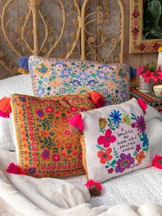 Beautiful Girl Facebook, Hippie Bedding, Cal King Bedding, Boho Room, Love Your Home, Sentimental Gifts, Natural Life, Beautiful Patterns, Bohemian Decor