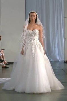 Berta Style Fall Winter 2019 Bridal Couture Collection Gorgeous Embroidered Strapless Sweetheart Tulle A-Lane Wedding Dress / Bridal Gown with small Train. Fall Winter 2019 Bridal Couture Runway Show Collection by Berta Klienfeld Wedding Dresses, Barn Wedding Dress, V Neck Wedding Dress, Long Sleeve Wedding, Gorgeous Wedding Dress, Bridal Gowns, Berta Bridal, Butterfly Wedding Dress, Farm Wedding