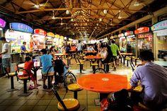 sebelum pulang makan siang disini dah macam2 variasi menunya lo..termasuk tempat makanan lokal singapore yg terbesar, lebih dari 100 mcm tempat ni. Maxwell Road Hawker Centre terletak di jantung Chinatown,