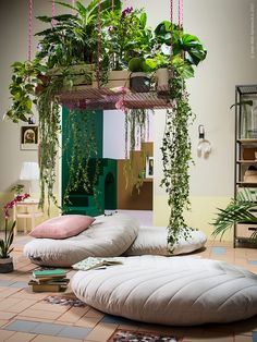 Living Room Decoration With Plants Ideas You'll Like; Living Room Decoration With Plants; Plants In Living Room; Living Room With Plants Deocr; Handmade Home Decor, Diy Home Decor, Small Apartments, Small Spaces, Ikea New, Multifunctional Furniture, Meditation Space, Meditation Corner, Meditation Pillow
