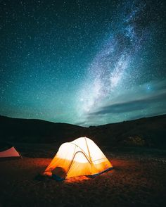 #NightNatureOnTheNine Tag someone in the comments below you enjoy stargazing with 😍✨ . . . 🌎: Tomales Bay, California 📷: @oscarwastaken #NatureNestd #Nature #Earth #Plants #Wilderness #Hiking #Hike #Outdoors #Camping #USA #America #Explore #Adventure #Cali #California
