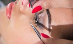 Semi-Permanent Eyelash Extension Course for One or Two at Flourish School Of Beauty Therapy #EyelashExtensionsNatural